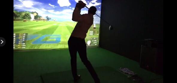 DJ霸气挥杆如歌高尔夫模拟器.jpg