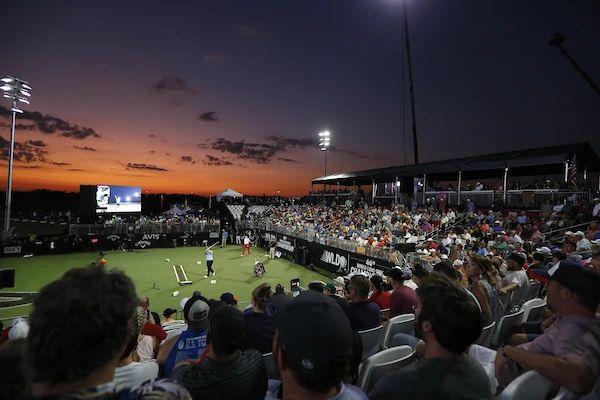 去年,第44届世界长打王锦标赛总决赛在美国俄克拉荷马州举行.jpg